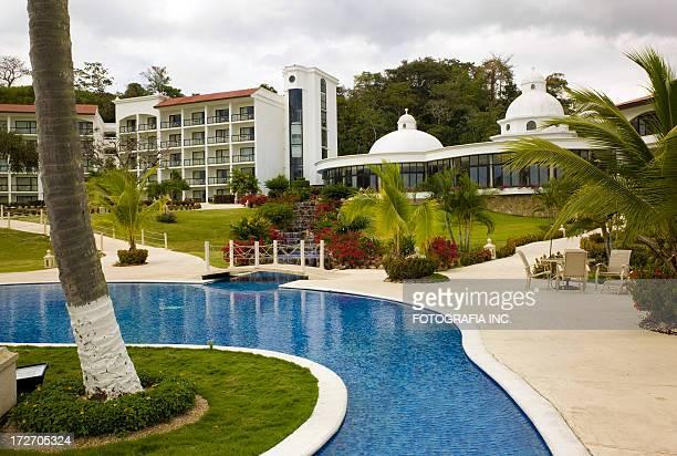 Piscina del complejo turístico, Panamá