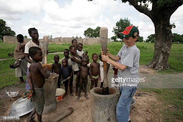 Responsible Tourism Le village de DOUDOU au Burkina Faso reçoit depuis neuf ans des petits groupes de touristes pour des vacances différentes Une...