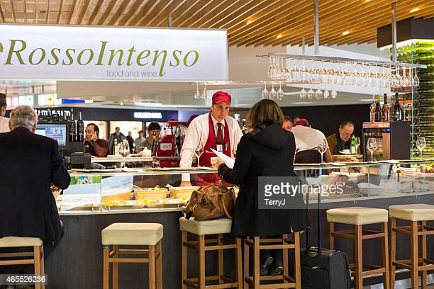 レストランは、レオナルド・ダ・ビンチ空港
