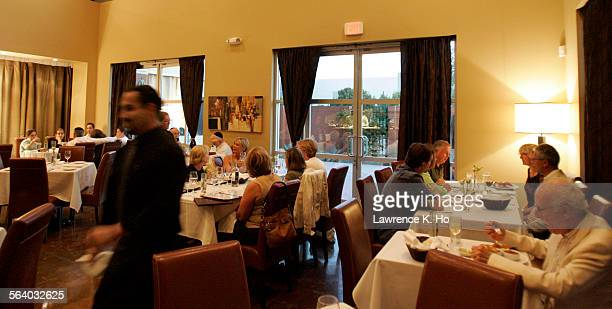 Restaurant review on Tierra Sur a fine dining kosher restaurant in Oxnard The main dining room of the restaurant