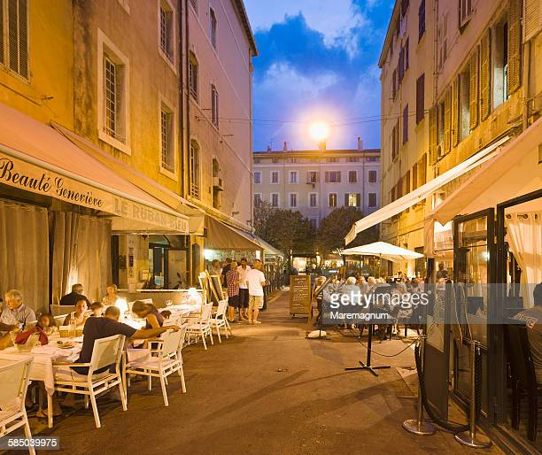 Restaurants around Rue (street) Saint Saens