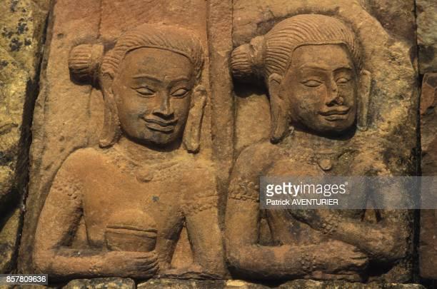 Restauration d'Angkor par les francais sculptures de la Terrasse du Roi Lepreux en mai 1994 au Cambodge