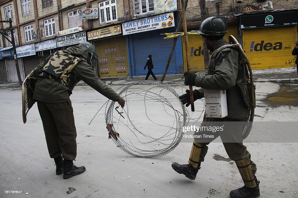 Restrictions were reimposed in Maisuma area of Srinagar this afternoon after fresh clashes betweem Security personnel and Protestors, on February 16, 2013 in Srinagar, India.Curfew was imposed on Saturday last week in the wake of execution of Parliment attack convict Afzal Guru.