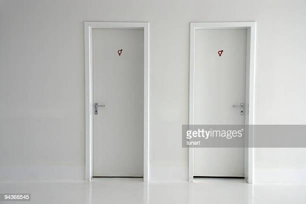 Les toilettes portes