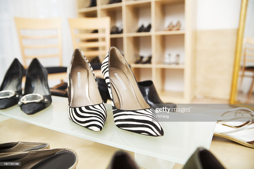 Retail Shoes Store Display Hz