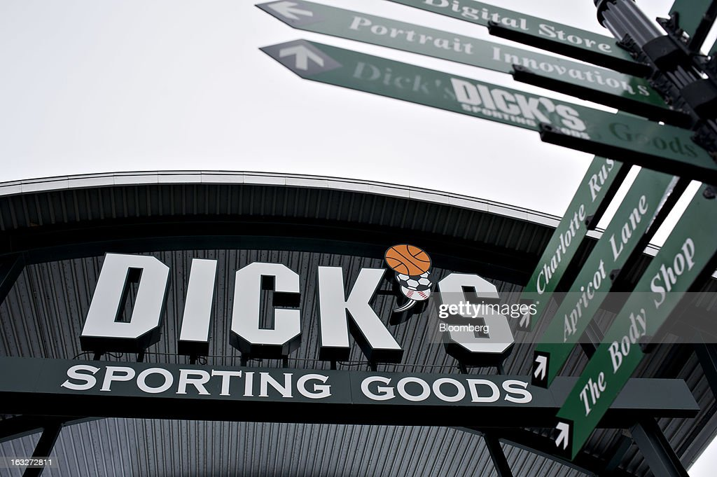 Retail store signage stands outside a Dick's Sporting Goods Inc. store in Peoria, Illinois, U.S., on Wednesday, March 6, 2013. Dick's Sporting Goods is expected to release earnings data on March11. Photographer: Daniel Acker/Bloomberg via Getty Images