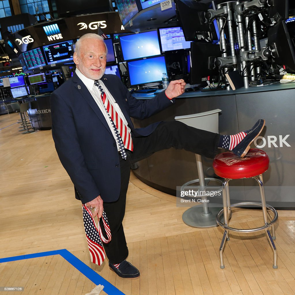 Retired Astronaut <a gi-track='captionPersonalityLinkClicked' href=/galleries/search?phrase=Buzz+Aldrin&family=editorial&specificpeople=90480 ng-click='$event.stopPropagation()'>Buzz Aldrin</a> attends WNBA Rings the NYSE Closing Bell to highlight their 20th season at the New York Stock Exchange on May 6, 2016 in New York City.