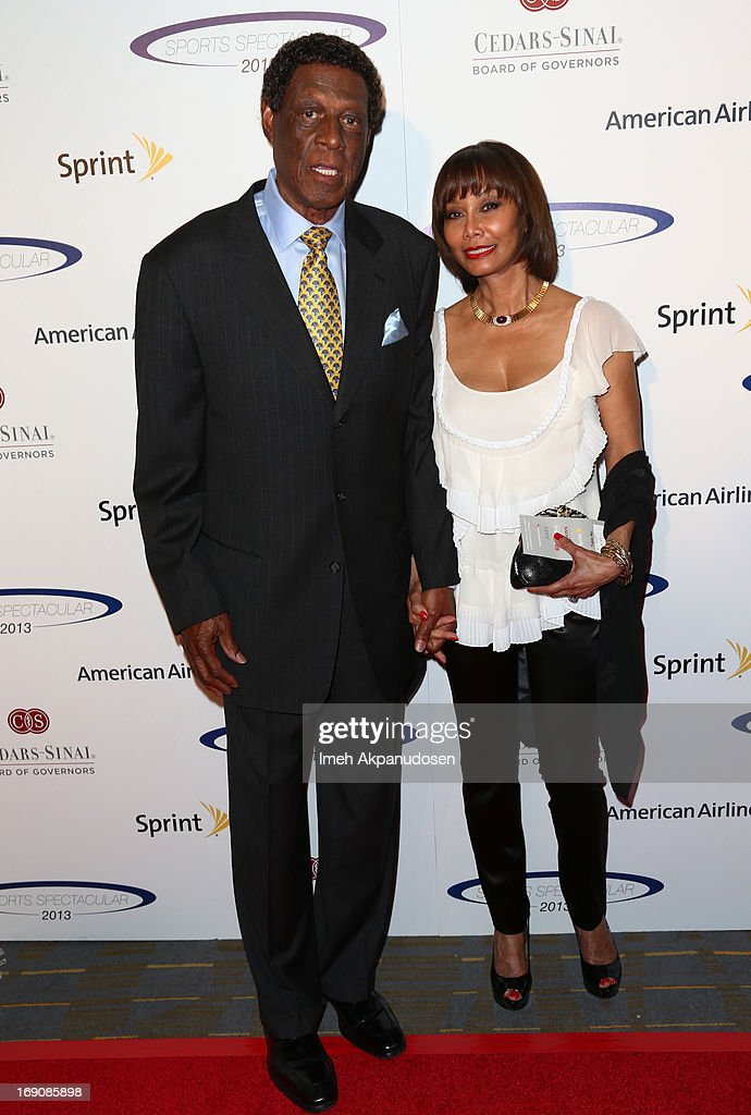 Retired NBA player Elgin Baylor (L) and wife attend the 28th Anniversary Sports Spectacular Gala at the Hyatt Regency Century Plaza on May 19, 2013 in Century City, California.