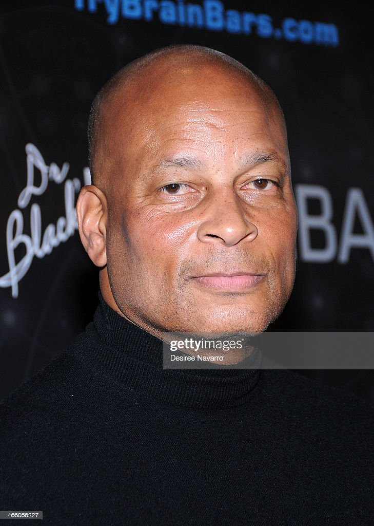 Retired NFL player <a gi-track='captionPersonalityLinkClicked' href=/galleries/search?phrase=Ronnie+Lott&family=editorial&specificpeople=224586 ng-click='$event.stopPropagation()'>Ronnie Lott</a> attends Dr. Black's Brain Bar Super Bowl XLVIII Launch Event at PH-D Rooftop Lounge at Dream Downtown on January 30, 2014 in New York City.