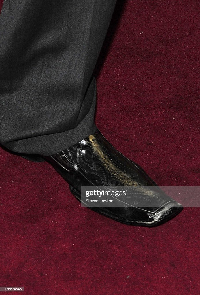 Retired pro basketball player Shaquille O'Neal (shoe detail) arrives at the Lavo Restaurant & Nightclub at The Palazzo Las Vegas on August 16, 2013 in Las Vegas, Nevada.
