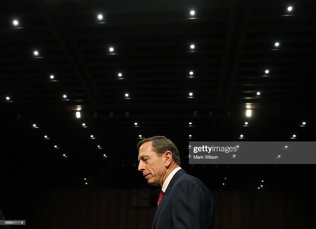 Retired US Army Gen. <a gi-track='captionPersonalityLinkClicked' href=/galleries/search?phrase=David+Petraeus&family=editorial&specificpeople=175826 ng-click='$event.stopPropagation()'>David Petraeus</a> arrives at a Senate Armed Services Committee hearing on Capitol Hill September 22, 2015 in Washington, DC. The hearing focused on United States Middle East Policy.
