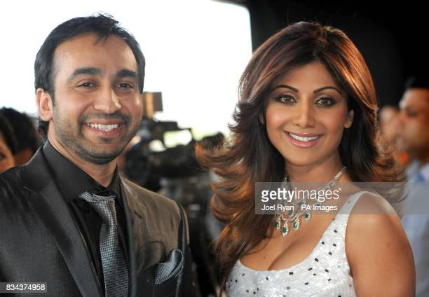 Retransmitted with additional information Shilpa Shetty arrives with Raj Kundra at the Zee Cine Awards 2008 ExCel Docklands in east London