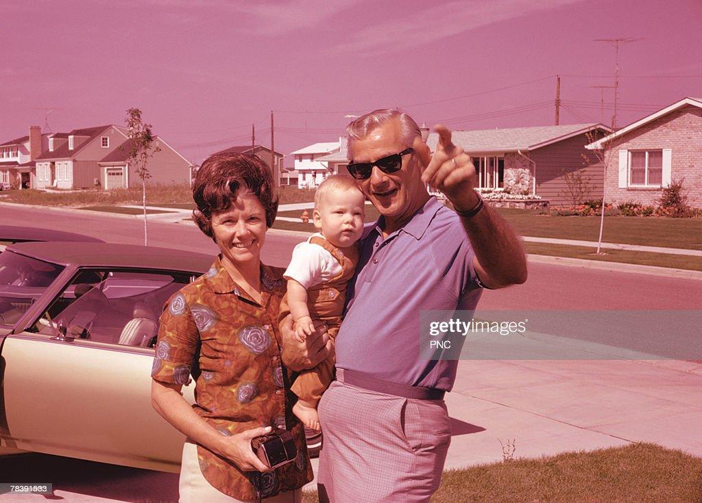 Retro suburban family : Stock-Foto