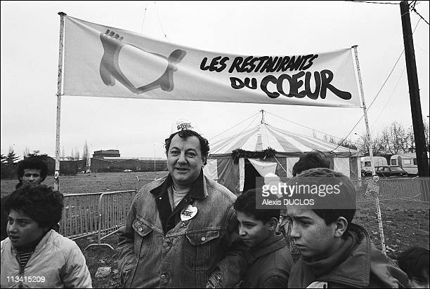 Retro The 'Restos Du Coeur' On December 1985 In Paris France Here Nb 240994 996 The Famous French Fanciful Coluche Opened 3 Restaurants Du Coeur In...