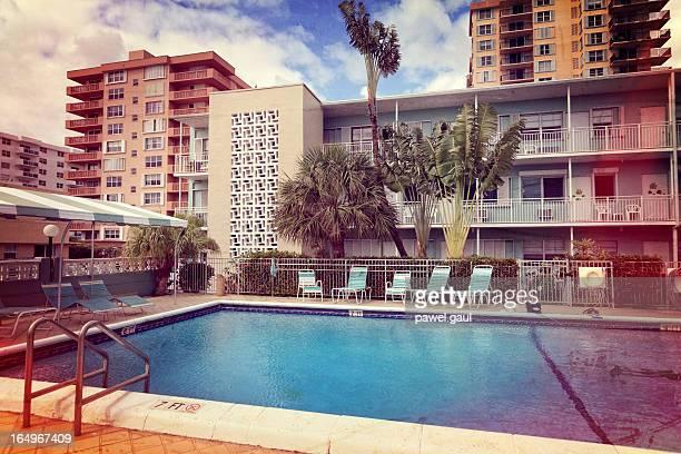 Retrò vacation resort con piscina