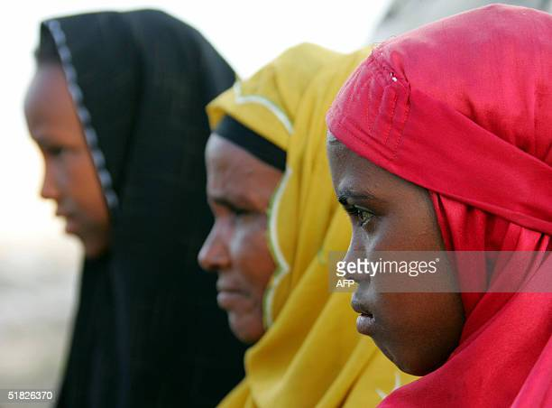Returned refugee women pose for photographers at the State House camp 03 December 2004 in Hargeisa the capital of Somaliland an autonomous enclave...