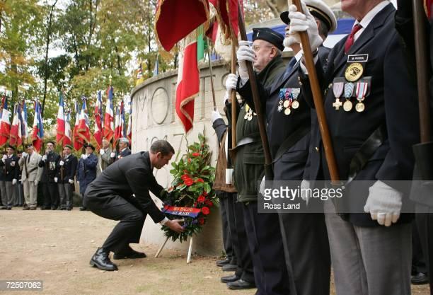Reuben Thorne former captain of the All Blacks lays a wreath during an Armistice Day Ceremony at the War Memorial Ile du Souvenir Parc de la Tete...