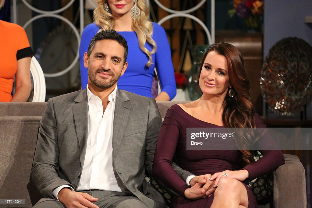 HILLS -- 'Reunion' Episodes 420, 421, 422 -- Pictured: (l-r) Husband Mauricio Umansky, <a gi-track='captionPersonalityLinkClicked' href=/galleries/search?phrase=Kyle+Richards&family=editorial&specificpeople=2586434 ng-click='$event.stopPropagation()'>Kyle Richards</a> --