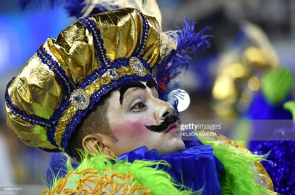 Revelers of the Unidos de Vila Maria samba school perform during the first night of the carnival parade at the Sambadrome in Sao Paulo, Brazil, on February 6, 2016. AFP PHOTO/NELSON ALMEIDA / AFP / NELSON ALMEIDA