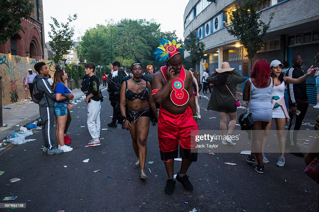 Revellers and performers begin to leave Notting Hill Carnival on August 29 2016 in London England The Notting Hill Carnival which has taken place...