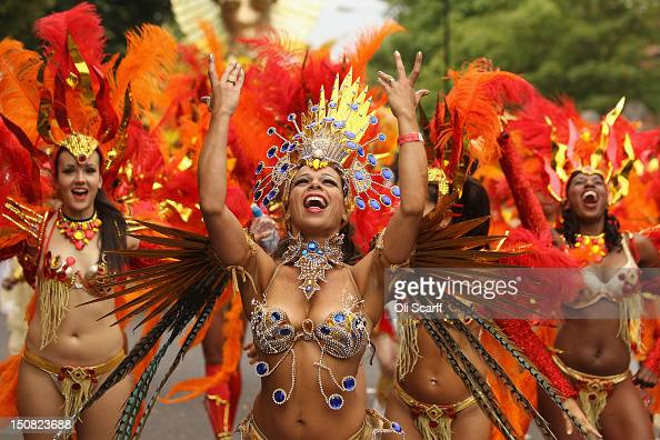 Revellers perform at the Notting Hill Carnival on August 27 2012 in London England The annual 2day carnival which is the largest of its kind in...