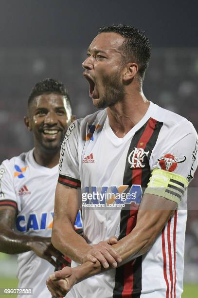 Rever of Flamengo celebrates a scored goal with Rodinei during the match between Flamengo and Ponte Preta as part of Brasileirao Series A 2017 at...
