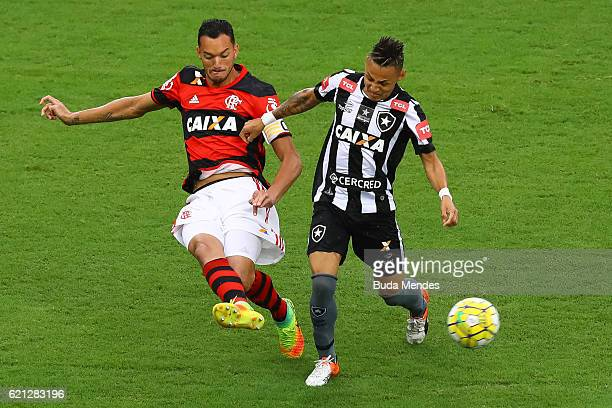 Rever of Flamengo struggles for the ball with Neilton of Botafogo during a match between Flamengo and Botafogo as part of Brasileirao Series A 2016...