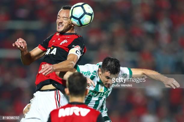 Rever of Flamengo struggles for the ball with Willian of Palmeiras during a match between Flamengo and Palmeiras as part of Brasileirao Series A 2017...