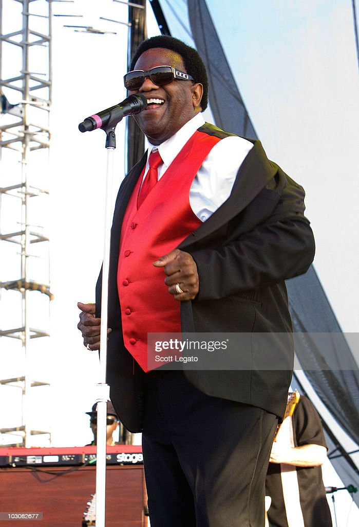 Reverend al green performs the 2010 hullabalou music festival at