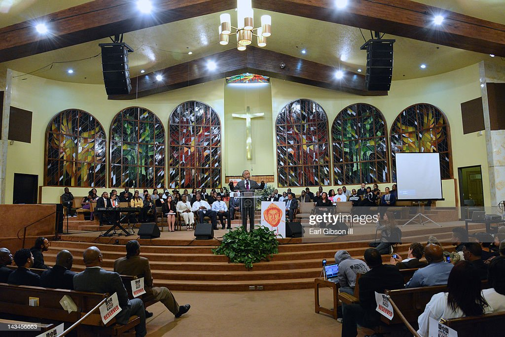 Reverend <a gi-track='captionPersonalityLinkClicked' href=/galleries/search?phrase=Al+Sharpton&family=editorial&specificpeople=202250 ng-click='$event.stopPropagation()'>Al Sharpton</a> speaks at the NAACP Travon Martin Rally on April 26, 2012 in Los Angeles, California.