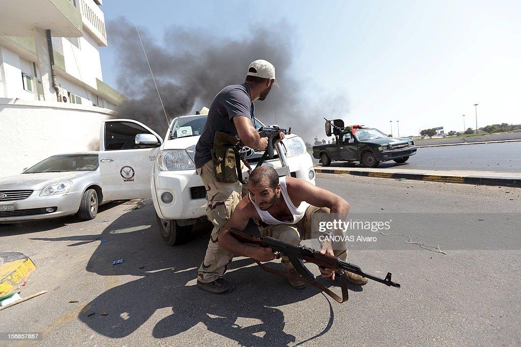 The Battle Of Tripoli. Tripoli, le 22 août 2011, avancée des rebelles sur la capitale. Ils ont pris position devant le port de Tripoli.