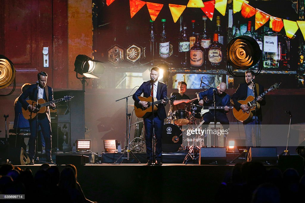 Revolverheld perform during the Green Tec Award at ICM Munich on May 29, 2016 in Munich, Germany.
