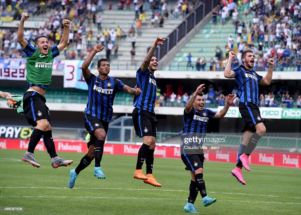 Rey Manaj, Fredy Guarin, Mauro Icardi, Gary Medel and Davide Santon celebrate at the end of the Serie A match between AC Chievo Verona and FC Internazionale Milano at Stadio Marc'Antonio Bentegodi on September 20, 2015 in Verona, Italy.