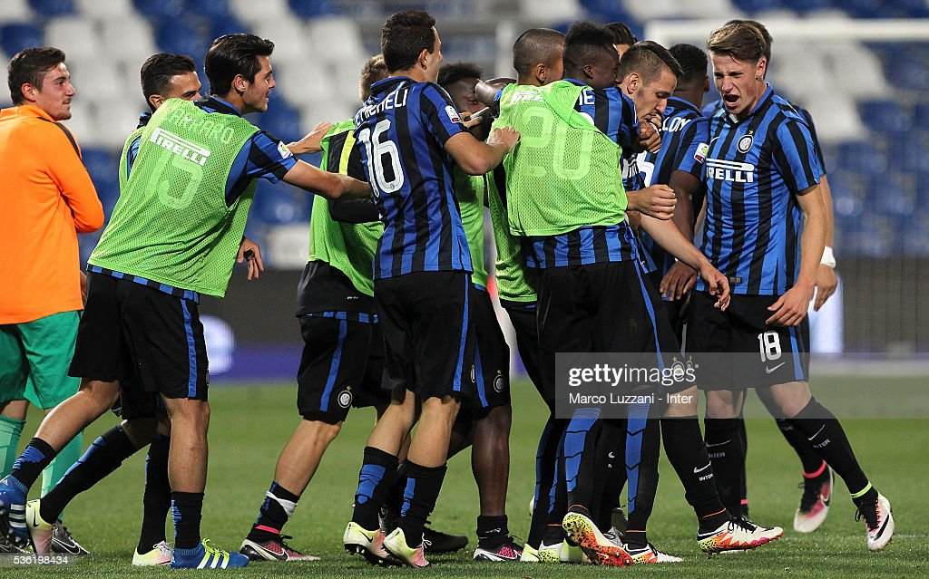 Rey Manaj (2nd R) of FC Internazionale celebrates his second goal with his team-mates during the juvenile playoff match between FC Internazionale and AS Roma at Mapei Stadium - Citta' del Tricolore on May 31, 2016 in Reggio nell'Emilia, Italy.