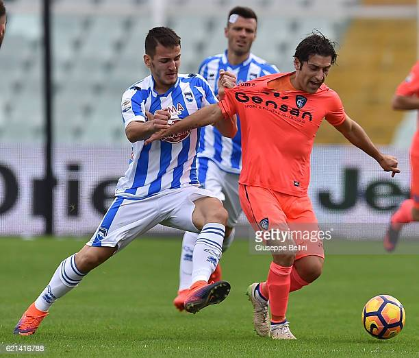 Rey Manaj of Pescara Calcio and Daniele Croce of Empoli FC in action during the Serie A match between Pescara Calcio and Empoli FC at Adriatico...
