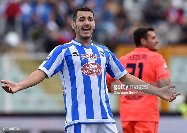Rey Manaj of Pescara Calcio in action during the Serie A match between Pescara Calcio and Empoli FC at Adriatico Stadium on November 6 2016 in...