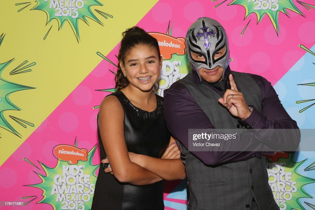 Rey Misterio (R) and his daughter Aaliyah arrive at Kids Choice Awards Mexico 2013 at Pepsi Center WTC on August 31, 2013 in Mexico City, Mexico.