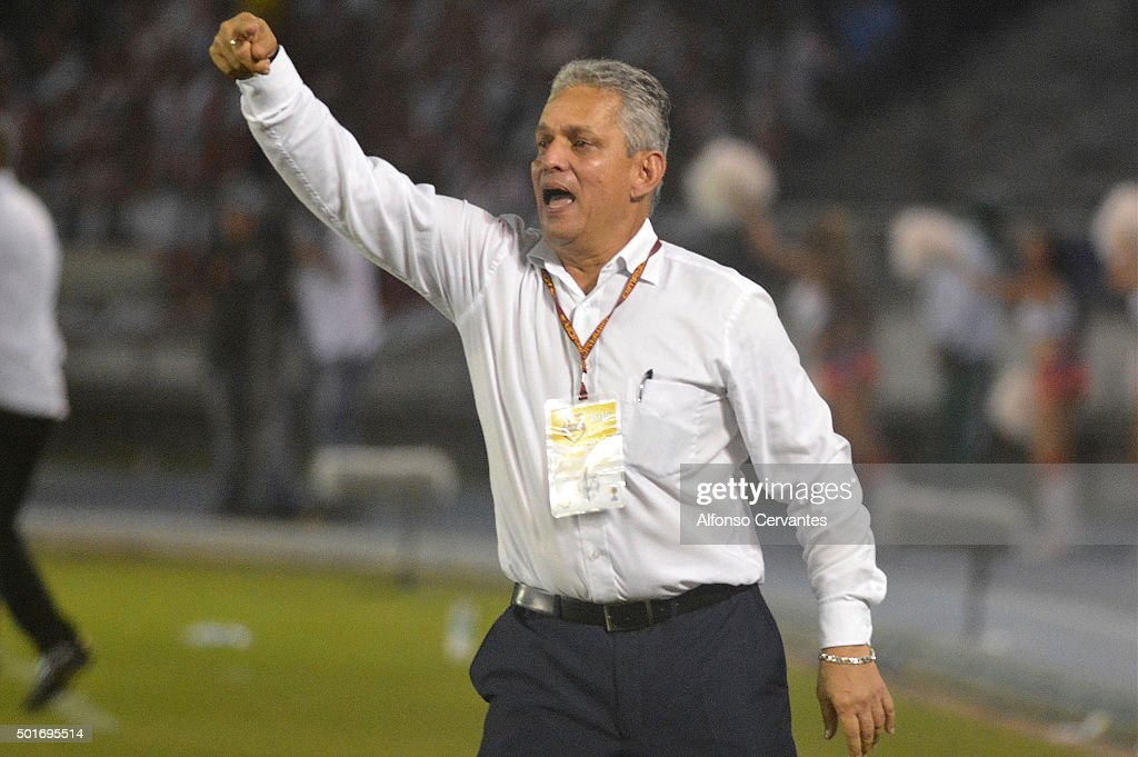 Reynaldo Rueda,, coach of Atletico Nacional gives instructions to his players during a first leg final match between Atletico Junior and Atletico Nacional as part of Liga Aguila II 2015 at Metropolitano Stadium on December 16, 2015 in Barranquilla, Colombia.