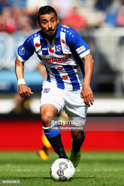 Reza Ghoochannejhad of Heerenveen in action during the Dutch Eredivisie match between SC Heerenveen and PSV Eindhoven held at Abe Lenstra Stadium on...