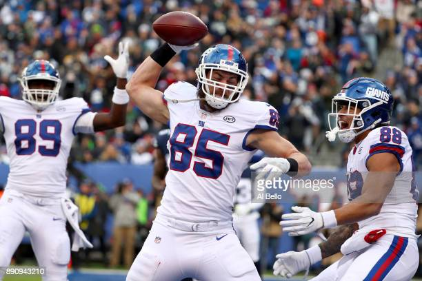 Rhett Ellison of the New York Giants celebrates after scoring a touchdown against the Dallas Cowboys during second quarter in the game at MetLife...