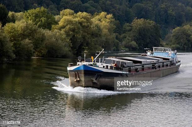 Barge sur le Rhin