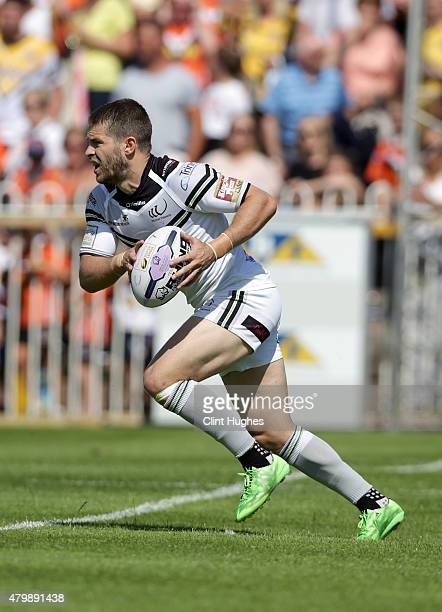 Rhys Hanbury of Widnes Vikings in action during the First Utility Super League match between Castleford Tigers and Widnes Vikings at The Jungle on...