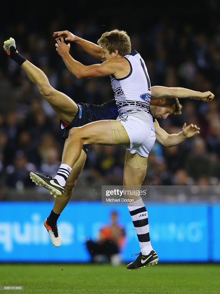 Rhys Stanley of the Cats (R) competes for the ball against Matthew Wright of the Blues during the round 10 AFL match between the Carlton Blues and the Geelong Cats at Etihad Stadium on May 29, 2016 in Melbourne, Australia.