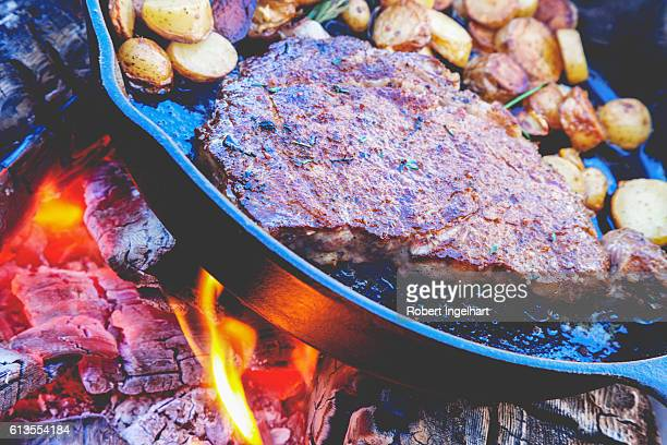 Rib-Eye-Steak am Lagerfeuer