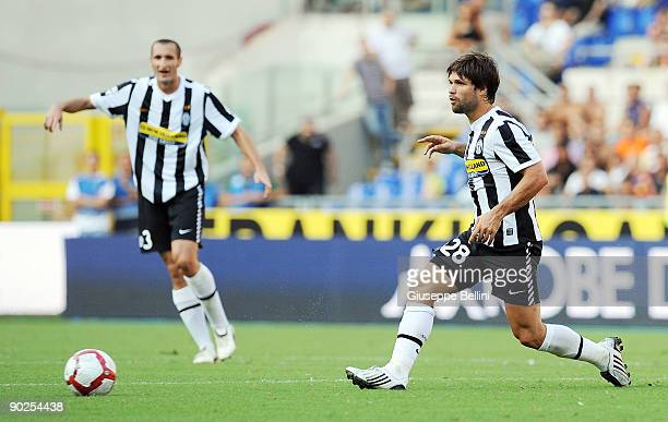 Ribas da Cunha Diego of Juventus FC in action during the serie A match between AS Roma and Juventus FC at Stadio Olimpico on August 30 2009 in Rome...