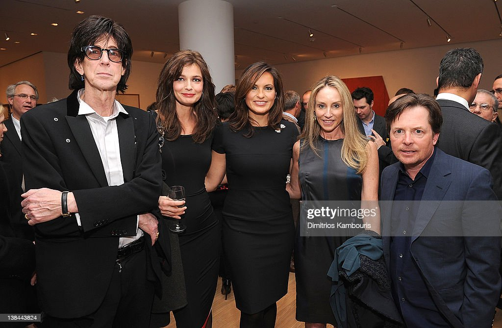 <a gi-track='captionPersonalityLinkClicked' href=/galleries/search?phrase=Ric+Ocasek&family=editorial&specificpeople=569822 ng-click='$event.stopPropagation()'>Ric Ocasek</a>, <a gi-track='captionPersonalityLinkClicked' href=/galleries/search?phrase=Paulina+Porizkova&family=editorial&specificpeople=569871 ng-click='$event.stopPropagation()'>Paulina Porizkova</a>, <a gi-track='captionPersonalityLinkClicked' href=/galleries/search?phrase=Mariska+Hargitay&family=editorial&specificpeople=204727 ng-click='$event.stopPropagation()'>Mariska Hargitay</a>, <a gi-track='captionPersonalityLinkClicked' href=/galleries/search?phrase=Tracy+Pollan&family=editorial&specificpeople=216511 ng-click='$event.stopPropagation()'>Tracy Pollan</a> and <a gi-track='captionPersonalityLinkClicked' href=/galleries/search?phrase=Michael+J.+Fox&family=editorial&specificpeople=208846 ng-click='$event.stopPropagation()'>Michael J. Fox</a> attend the book launch party for Ali Wentworth's new book 'Ali In Wonderland' at Sotheby's on February 6, 2012 in New York City.