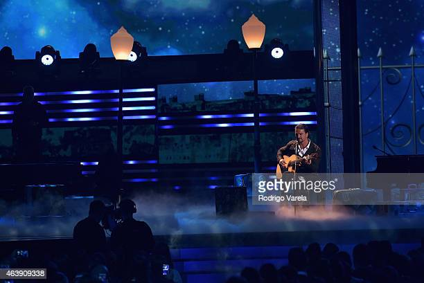 Ricardo Arjona performs onstage at the 2015 Premios Lo Nuestros Awards at American Airlines Arena on February 19 2015 in Miami Florida