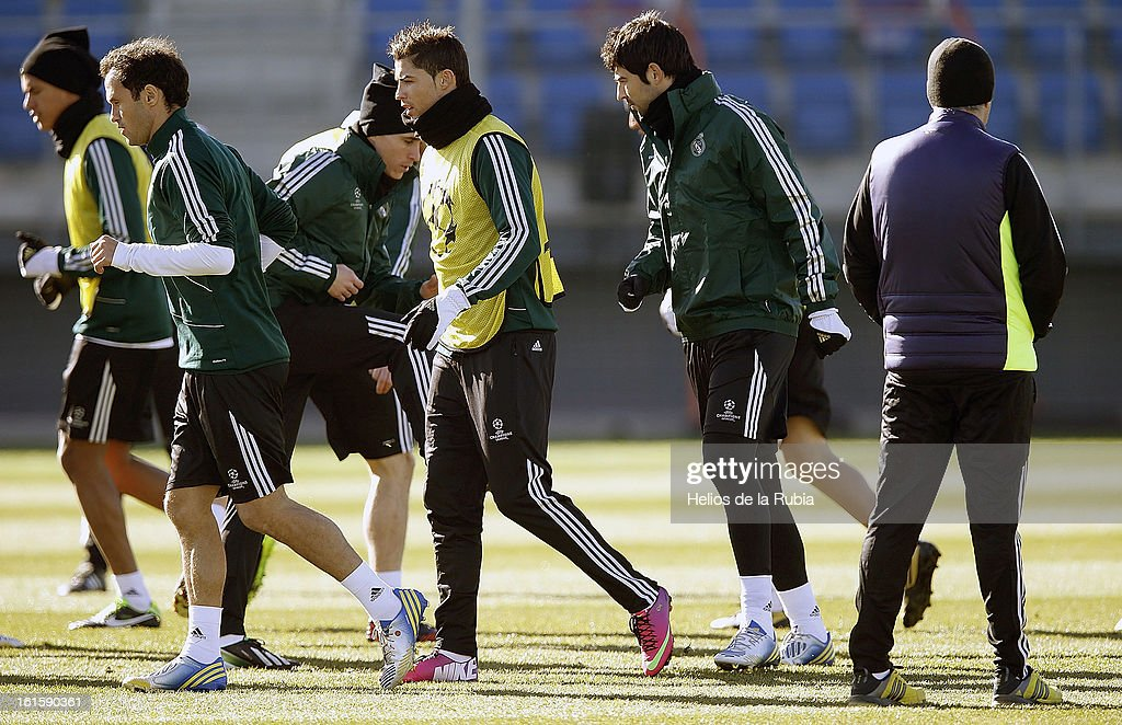 Ricardo Carvalho, Cristiano Ronaldo and Raul Albiol exercise during a training session ahead of the UEFA Champions League match between Real Madrid CF and Manchester United at the Valdebebas training ground on February 12, 2013 in Madrid, Spain.