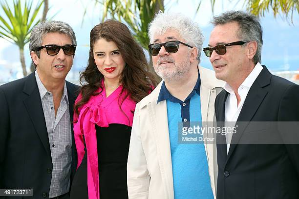 Ricardo Darin Erica Rivas Pedro Almodovar and Oscar Martinezattend 'Relatos Salvajes' photocall at the 67th Annual Cannes Film Festival on May 17...