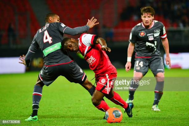 Ricardo FATY / Abdul Majeed WARIS / Mehdi MOSTEFA Valenciennes / Ajaccio 30e journee Ligue 1 Photo Dave Winter / Icon Sport